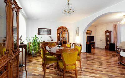Parduodamas namas Nugalėtojų g., Valakampiuose, Vilniuje, 234 kv.m ploto, 2 aukštai