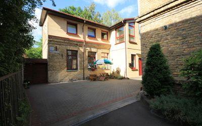 Parduodamas 4 kambarių butas tribučiame name Šeimyniškių g.