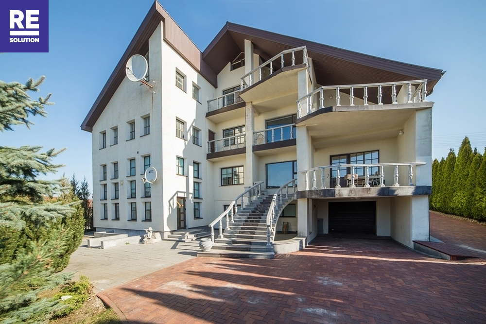 Parduodamas namas Gelažių g., Zujūnai, Vilniaus m., Vilniaus m. sav., 240 m2 ploto, 3 aukštai