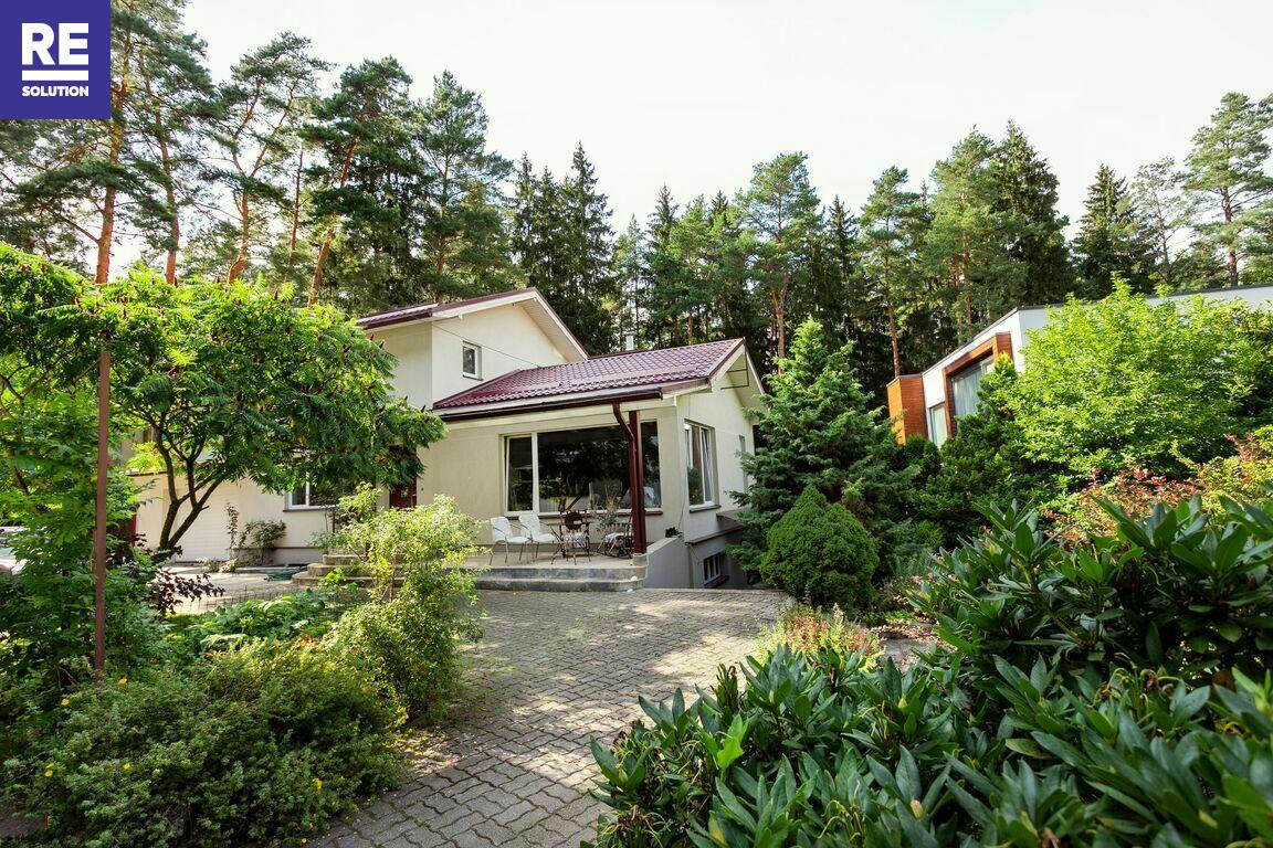 Parduodamas namas Nugalėtojų g., Valakampiuose, Vilniuje, 481.39 kv.m ploto, 2 aukštai