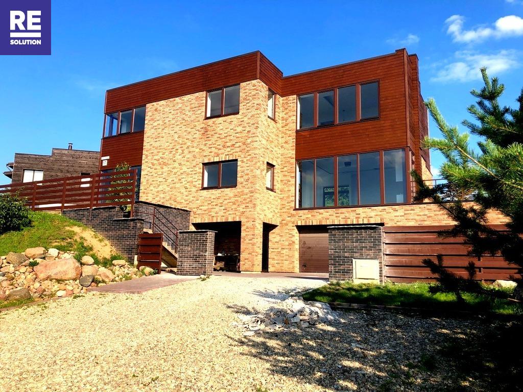 Parduodamas namas Vilniuje, 304 kv.m ploto, 3 aukštai