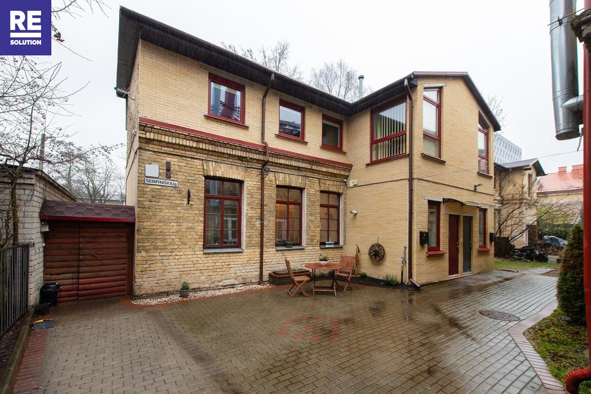 Parduodamas 4 kambarių butas tribučiame name Šeimyniškių g. nuotrauka nr. 1