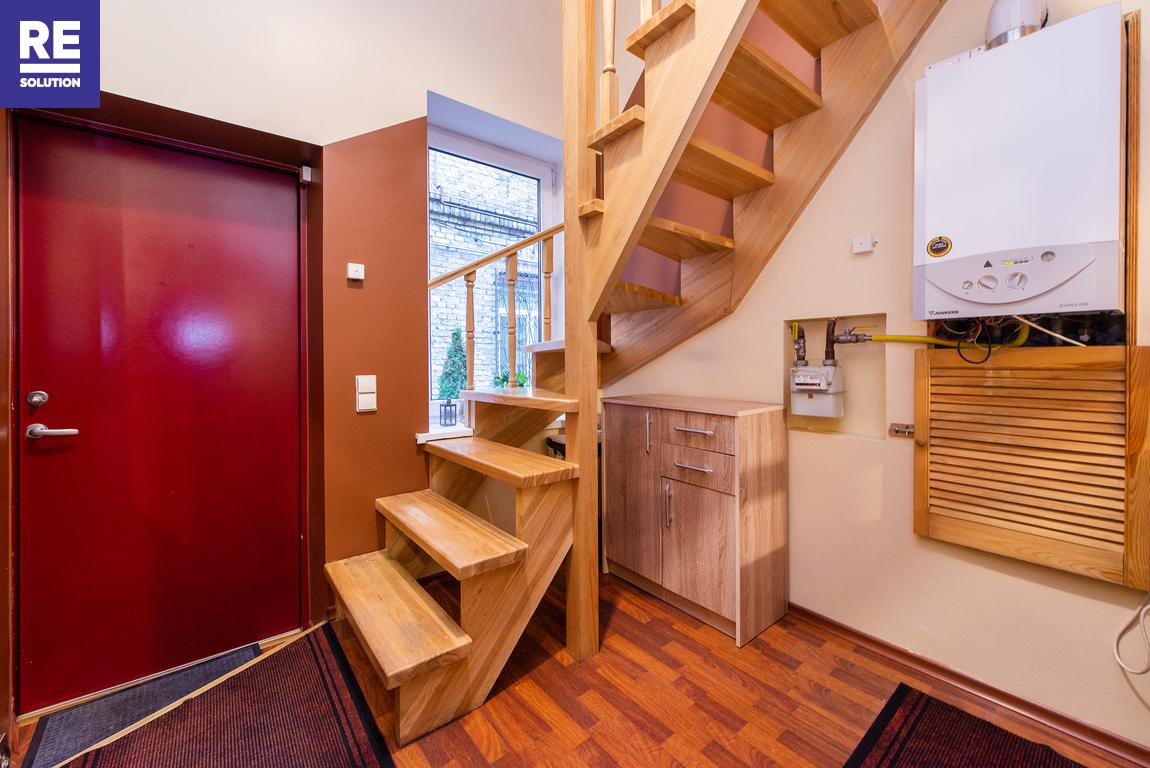 Parduodamas 4 kambarių butas tribučiame name Šeimyniškių g. nuotrauka nr. 3