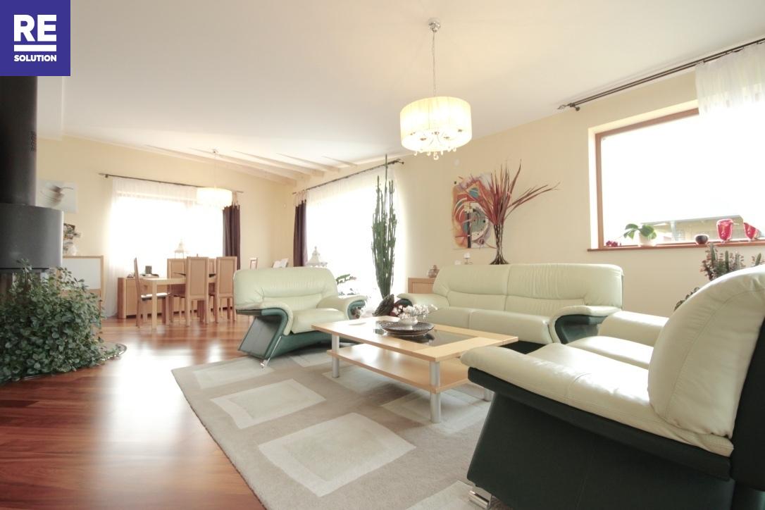 Nuomojamas namas Bajoruose, Vilniuje, 236 kv.m ploto