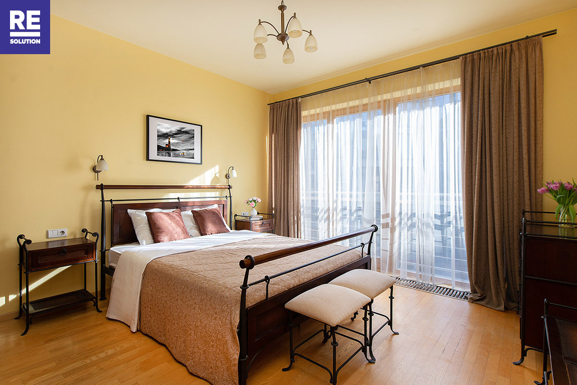 Parduodamas butas Krivių g., Senamiestyje, Vilniuje, 86 kv.m ploto, 3 kambariai nuotrauka nr. 1