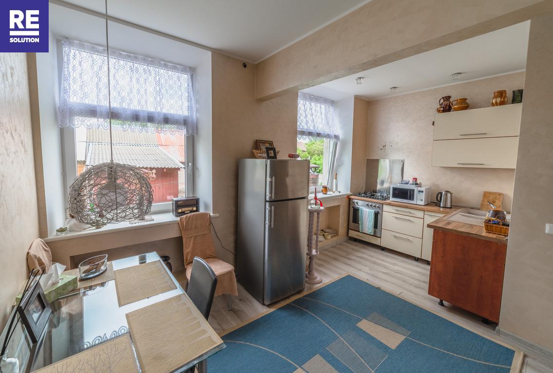 37,81 kv.m jaukus naujai suremontuotas 2 kambarių butas Priekulės centre.